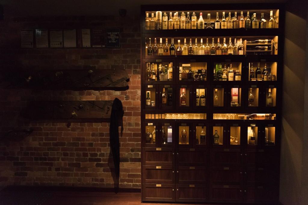 Beau Whisky Cabinet
